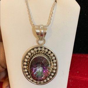 Jewelry - Pretty silver pendant in mystic topaz &chain